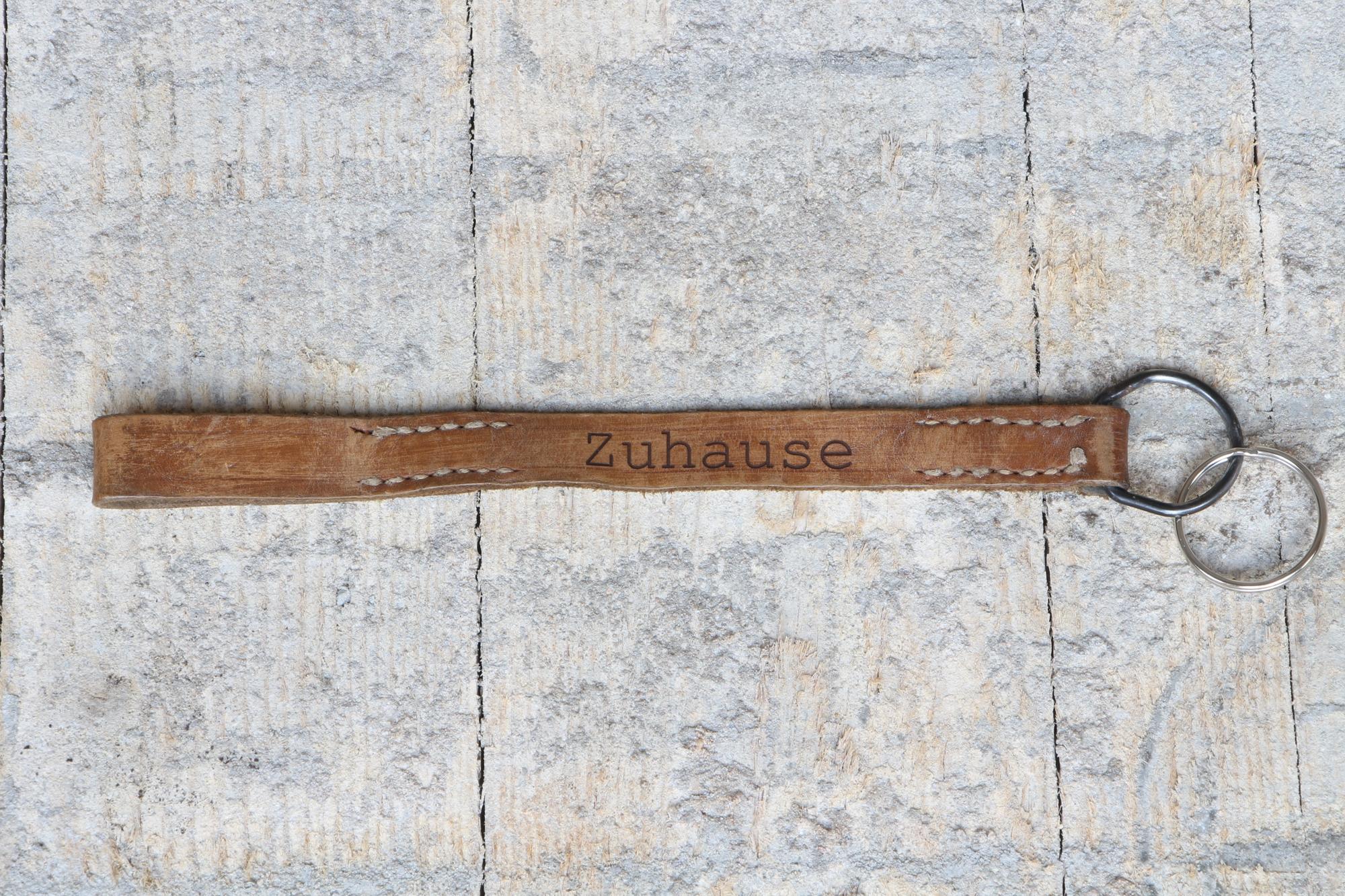 """Schlüsselanhänger """"Zuhause"""" - Vintageleder"""