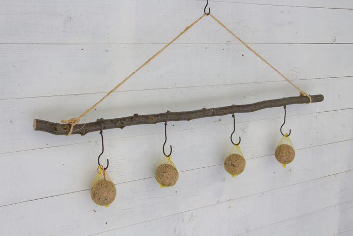 Haselnuss-Stock am Seil mit 4 Haken